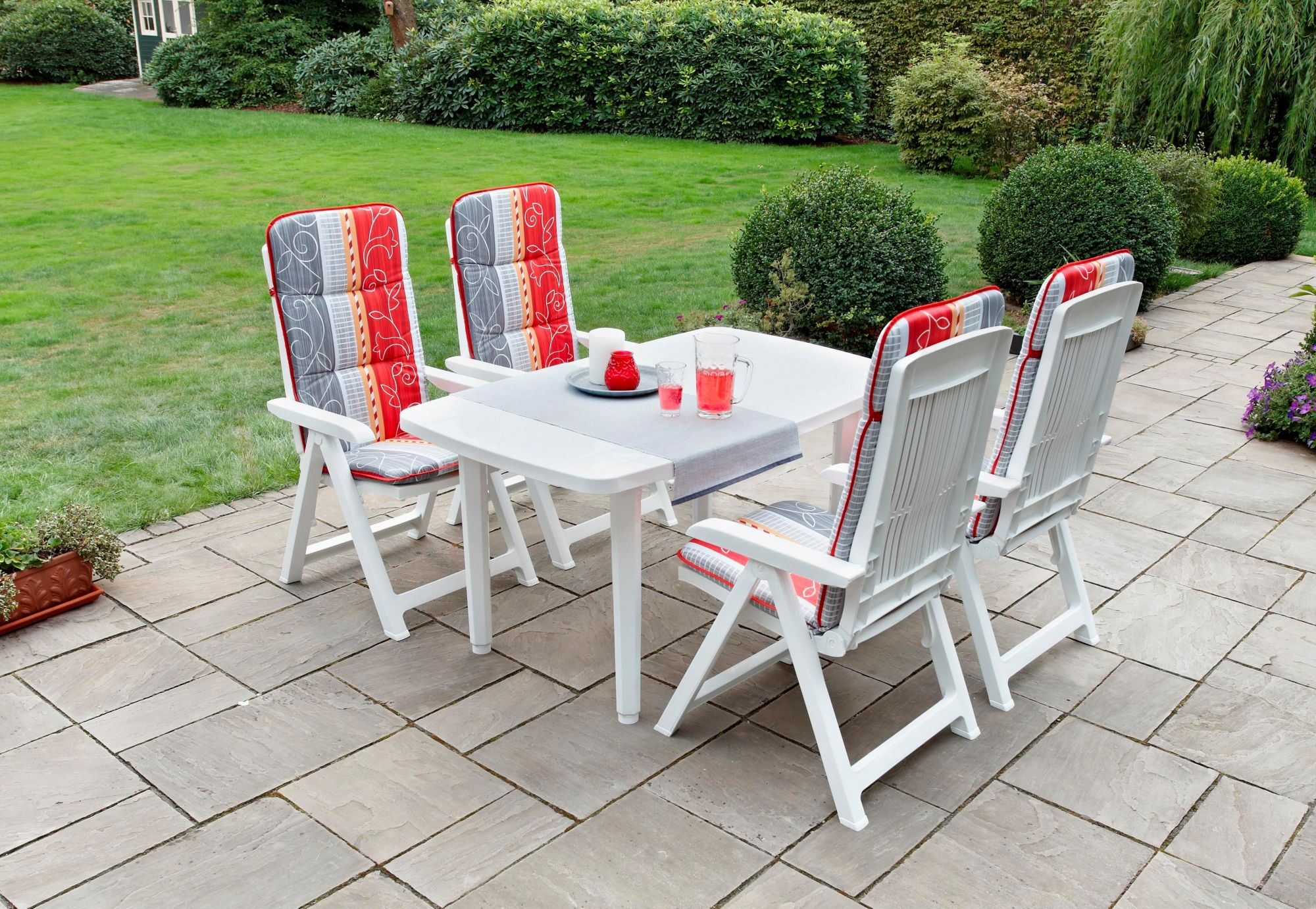 BEST Best 9-tgl. Gartenmöbelset »Kopenhagen«, 4 Sessel,Tisch 140x85 cm,Kunststoff,weiß,inkl. Auflagen,klappbar