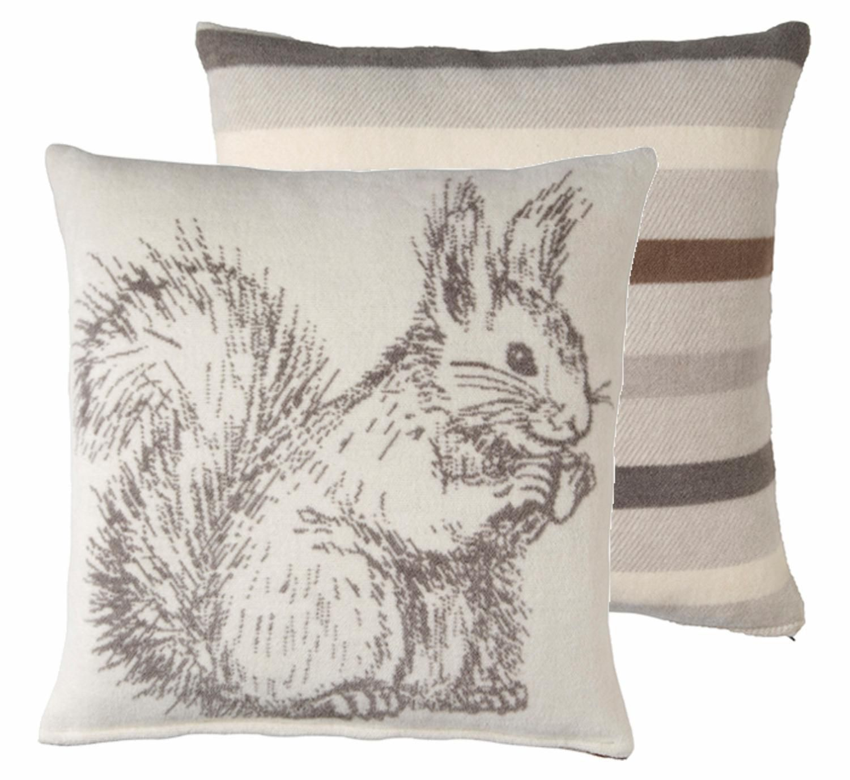 BIEDERLACK Dekokissen, Biederlack, »Eichhörnchen«, mit gestreifter Wendeseite