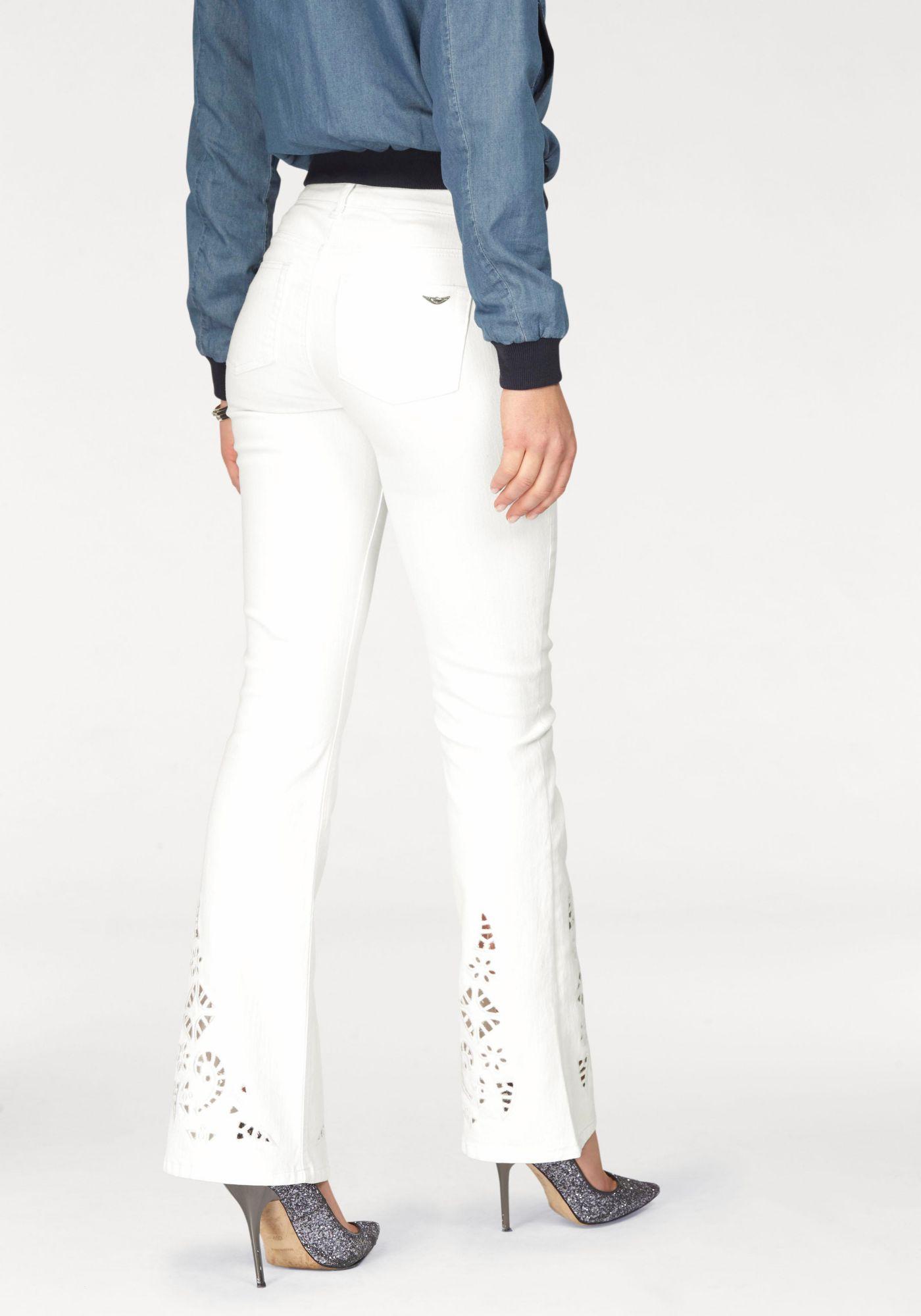ARIZONA Arizona Bootcut-Jeans »mit Lochstickerei«