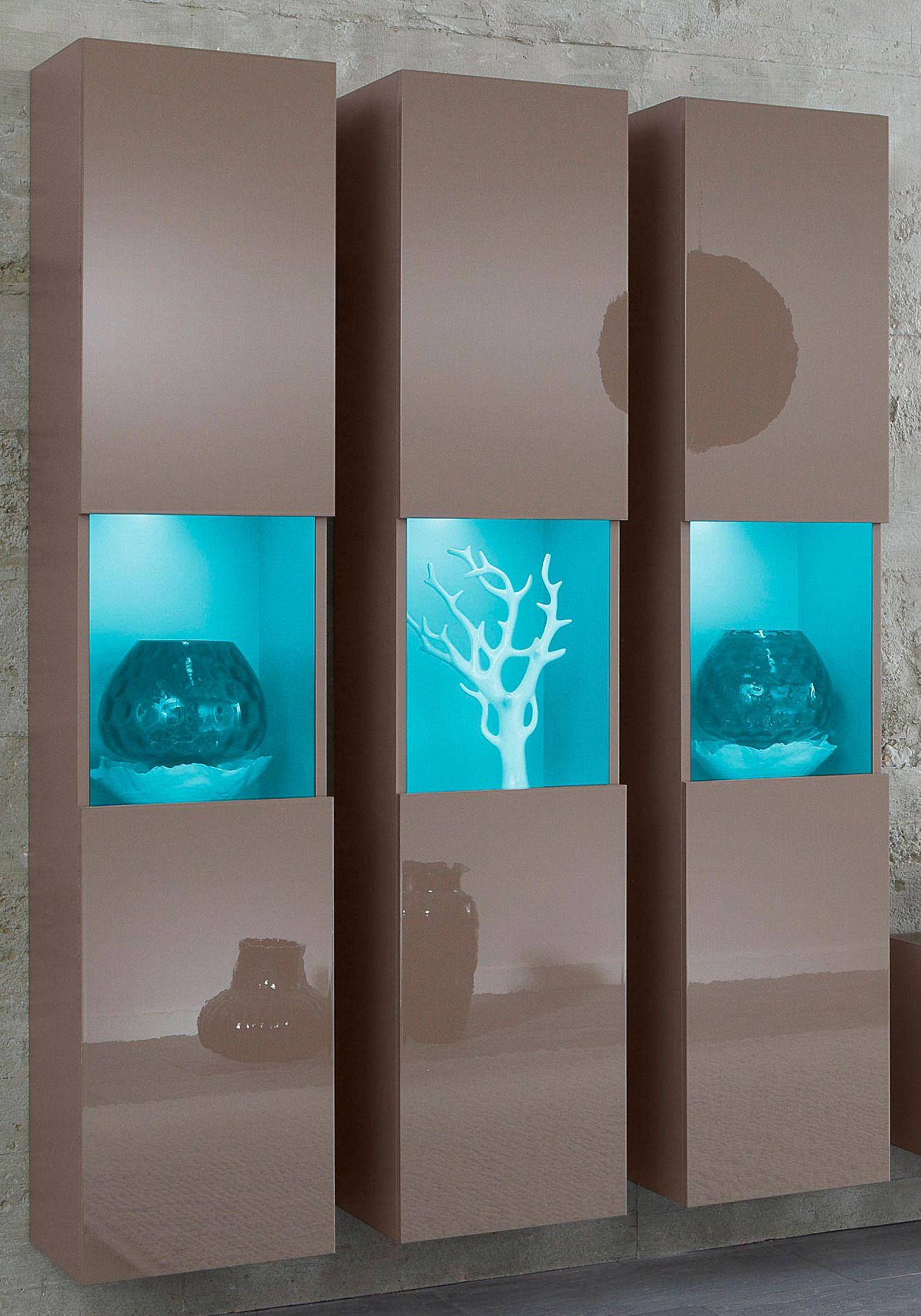 h ngevitrinen im schwab online shop m bel vitrinen. Black Bedroom Furniture Sets. Home Design Ideas