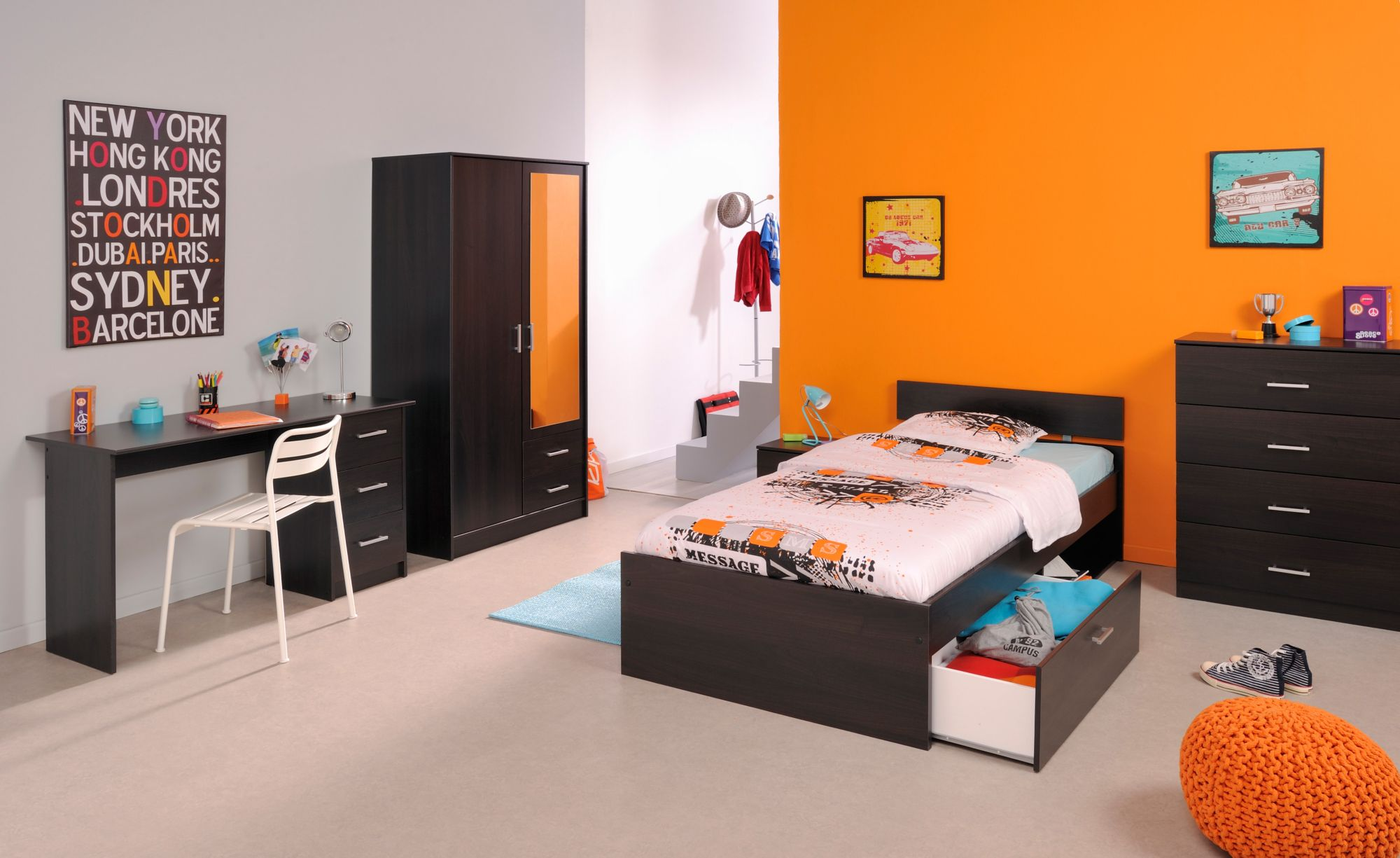 parisot jugendzimmer set 4 oder 5 tlg schwab versand komplett kinderzimmer. Black Bedroom Furniture Sets. Home Design Ideas