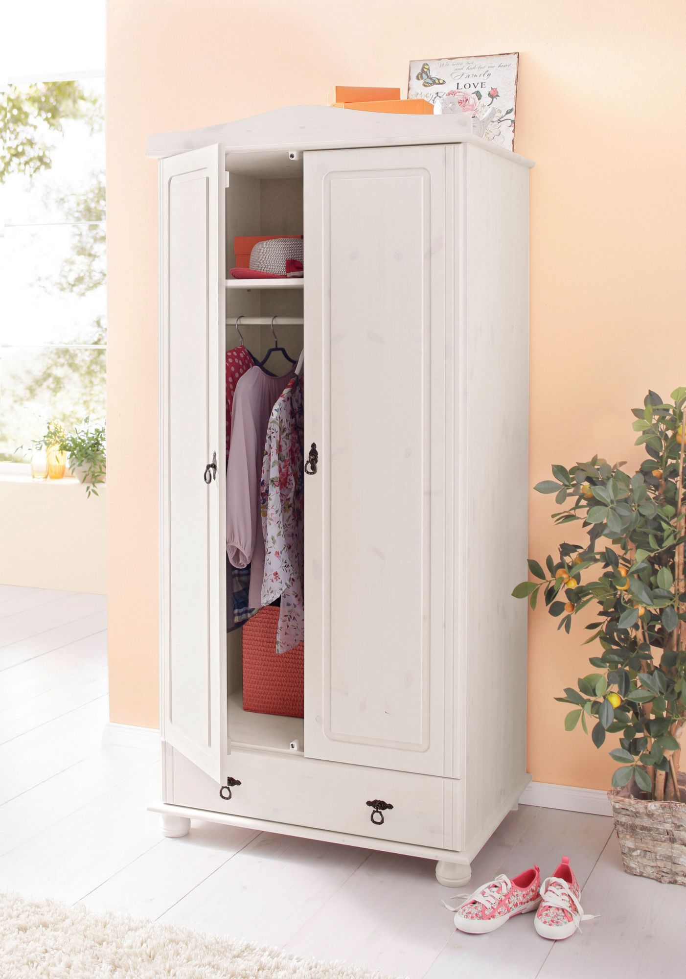 kleiderschrank home affaire finca schwab versand kleiderschr nke. Black Bedroom Furniture Sets. Home Design Ideas