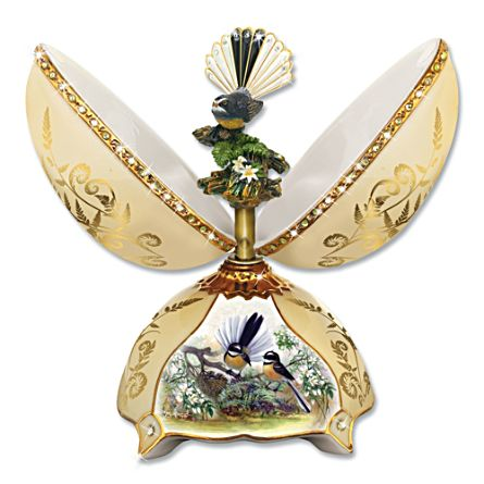 Dancing Fantail Musical Egg with 22K Gold Decoration