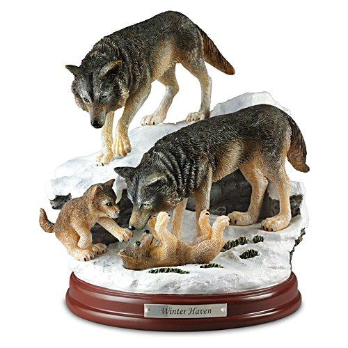 Wintervergnügen – Wolfskulptur
