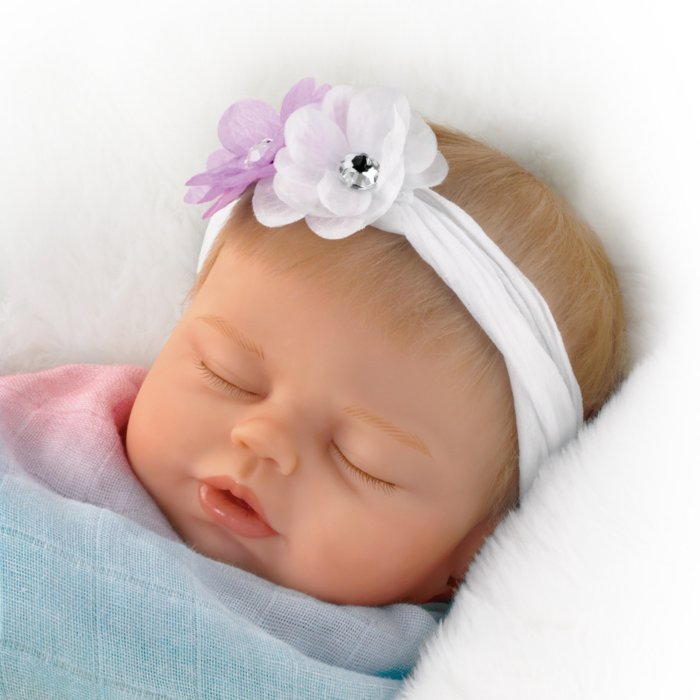 'Swaddled So Sweetly' So Truly Real® Baby Doll