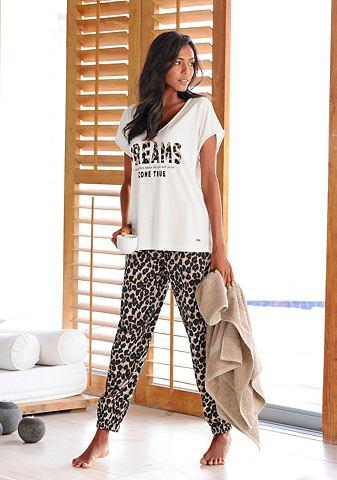 Пижама с schmaler брюки в Leolook