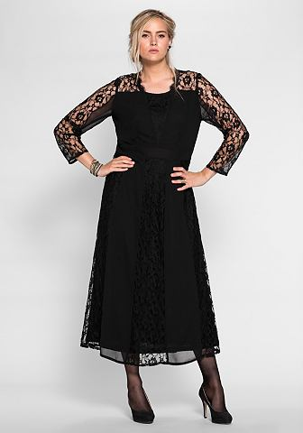Платье-макси длинное с кружева