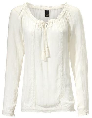 Блузка в стиле кармен с кружева