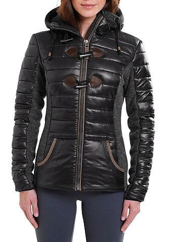 Сочетание материалов куртка