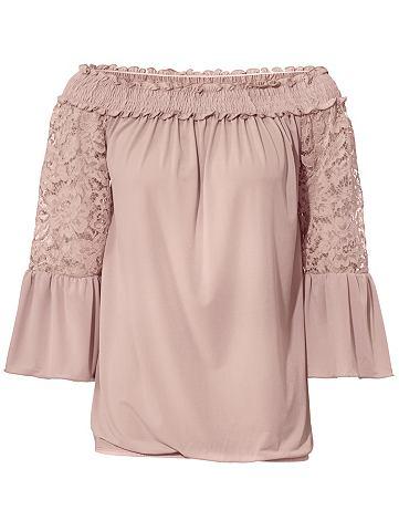 Блуза в стиле кармен с кружева