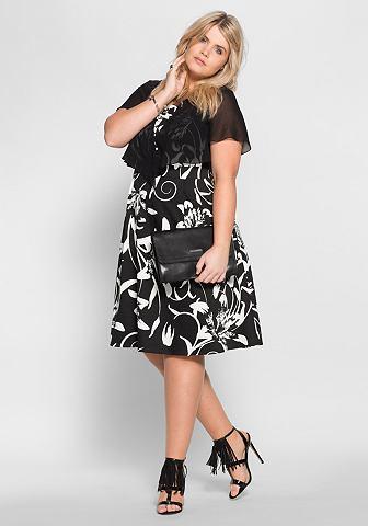 Коктейльное платье с цветочный повторя...