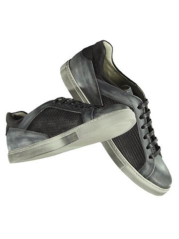 Мягкий кроссовки