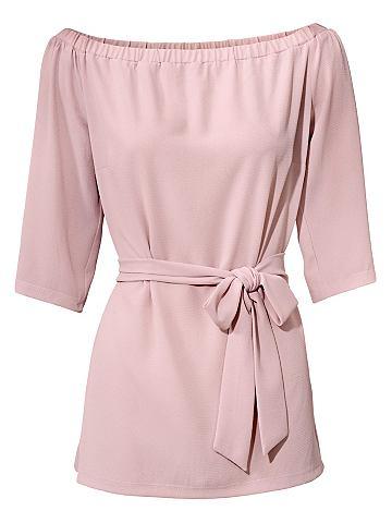 Блузка в стиле кармен с пояс