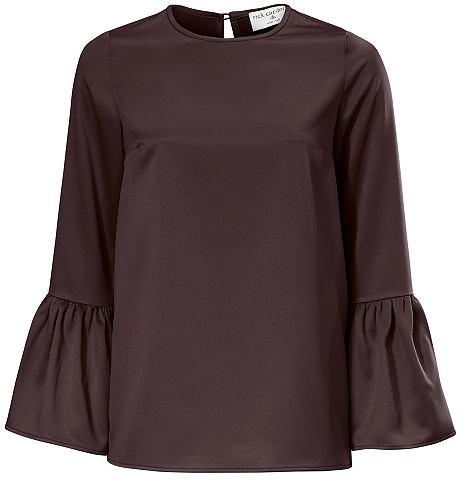 Блузка с с широкими рукавами