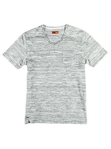 С V-образным вырезом футболка