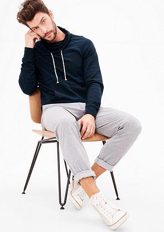 Пуловер с капюшоном с воротник