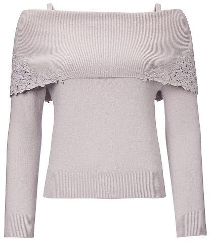 Пуловер с кружева