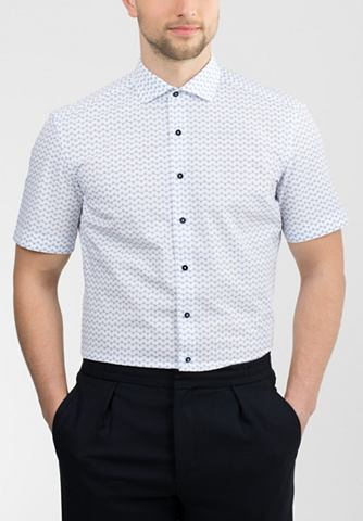 C короткими рукавами рубашка