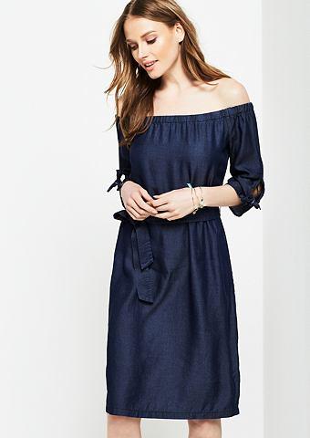 С открытыми плечами платье с коротким ...