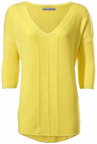 Пуловер с V-образным вырезом объемный