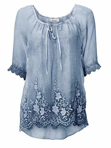 Блузка с кружевом с украшением