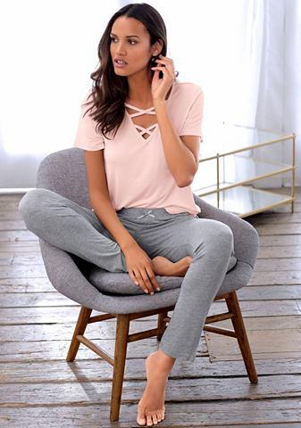Пижама с gekreuzten шнурки в вырез