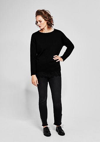 Пуловер трикотажный с Spitzen-Zierbort...