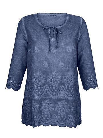 Платье в туника с отверстия