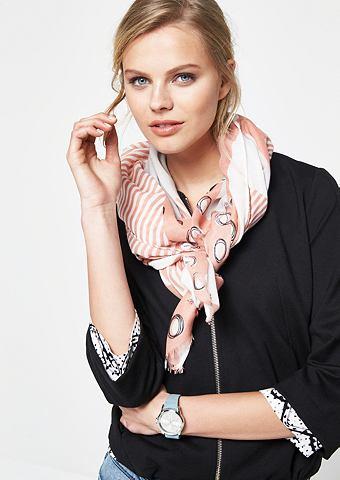 Нежный платок с повторяющийся узор