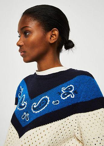 Вышитый пуловер с Lochmuster-Details