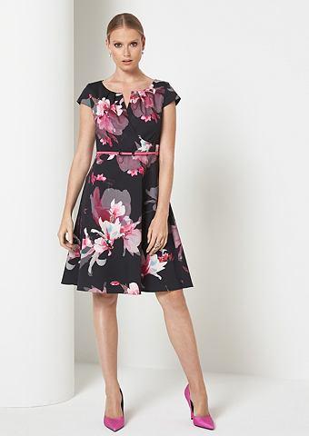 Платье вечернее с декоративный цветочн...