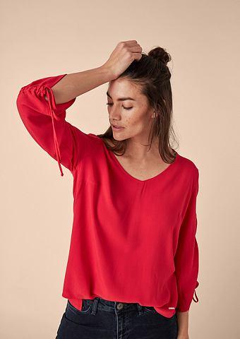 Блузка-рубашка с морщинистыми рукавами...
