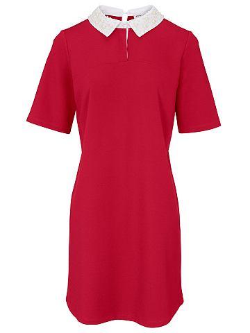 Платье с украшениe из жемчуга