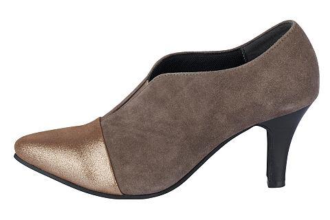 Закрытые туфли в сочетание материалов