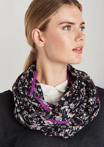 Нежный шарф в сочетание узоров