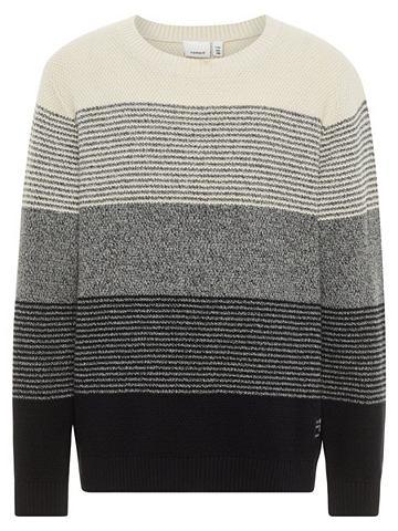 В полоску вязаный пуловер