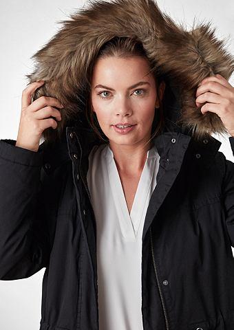 Пальто зимнее с искусственная для