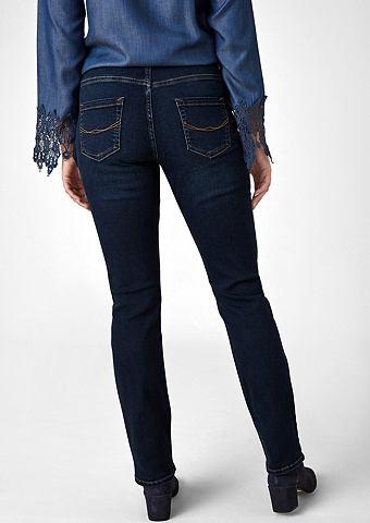 Curvy Straight Leg: джинсы стрейч
