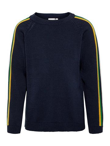 В полоску пуловер