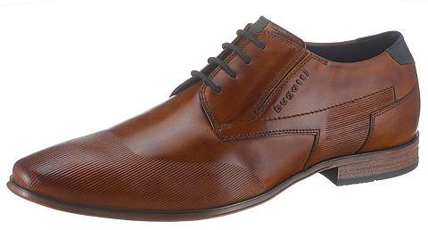 Ботинки со шнуровкой