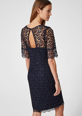 Платье из ornamentaler кружева