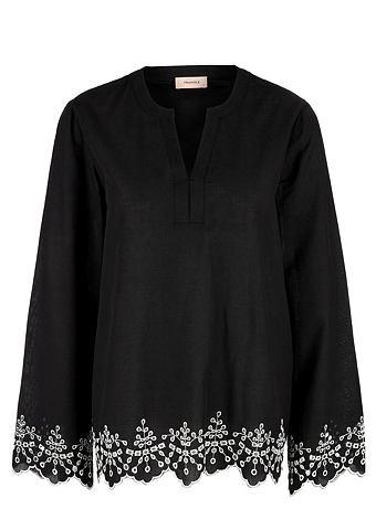 Туника-блузка с отверстия