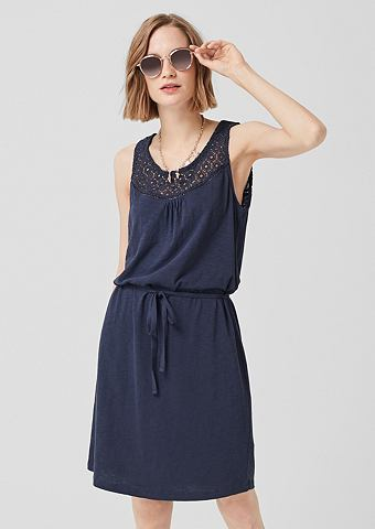 Платье из джерси с кружевом