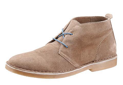 Suvarstomi batai im Casual stilius