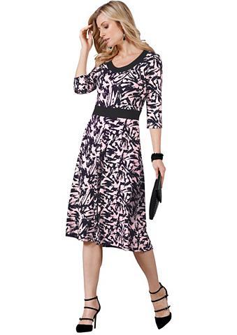 Suknelė su siaurėjanti klešnė