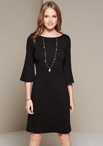 Ekstravagantiška suknelė su labai gest...