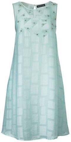 Siuvinėta suknelė