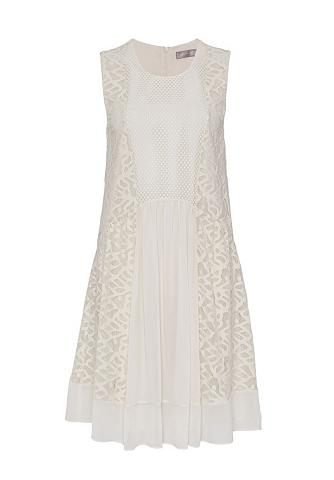 Plazdanti nėriniuota suknelė im Fabric...
