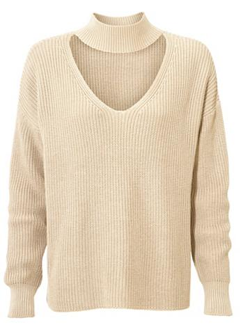 Megztinis stačia apykakle su su V form...