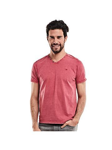 V formos iškirptė Marškinėliai